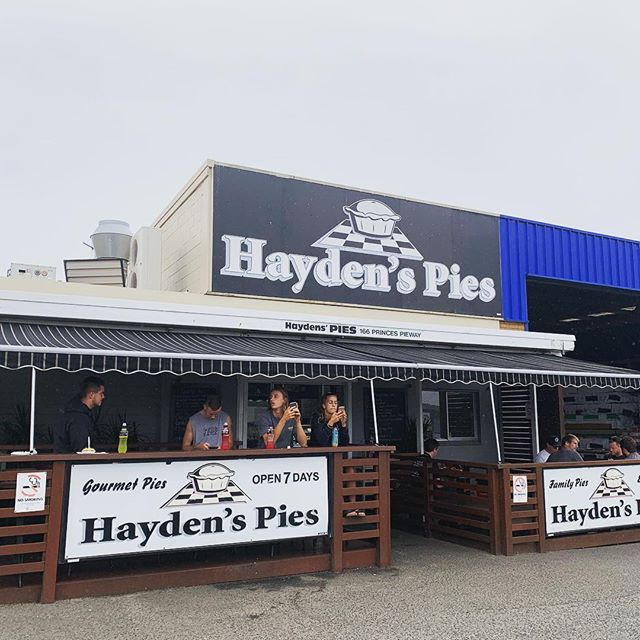 Looking for the best pies on the South Coast? I think I have found it.... a must try when in the Ulladulla Area! @haydenspiesulladulla 🥧 #aussiepie #bestpies #hiddengem #southcoastnsw #foodporn #ulladullatourism #pieshop