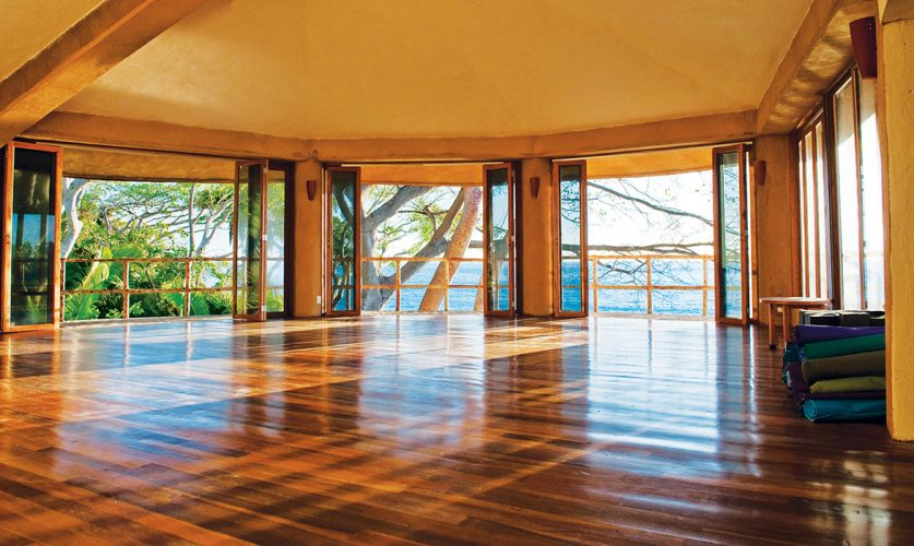 mar de jade yoga studio.jpg