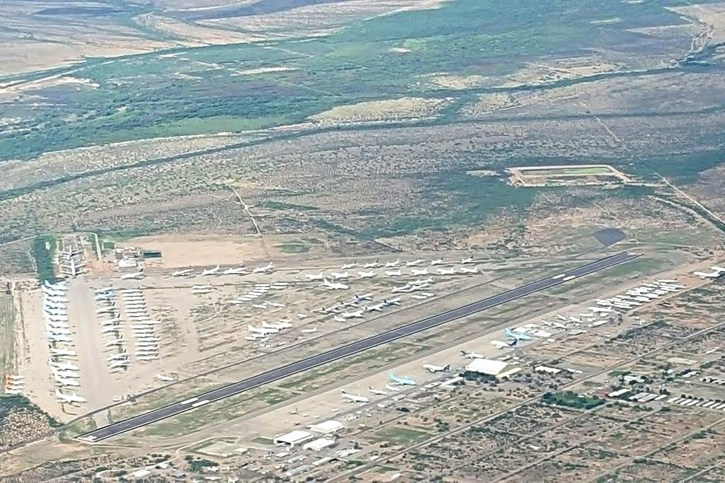 從 5000呎空拍Pinal Airpark
