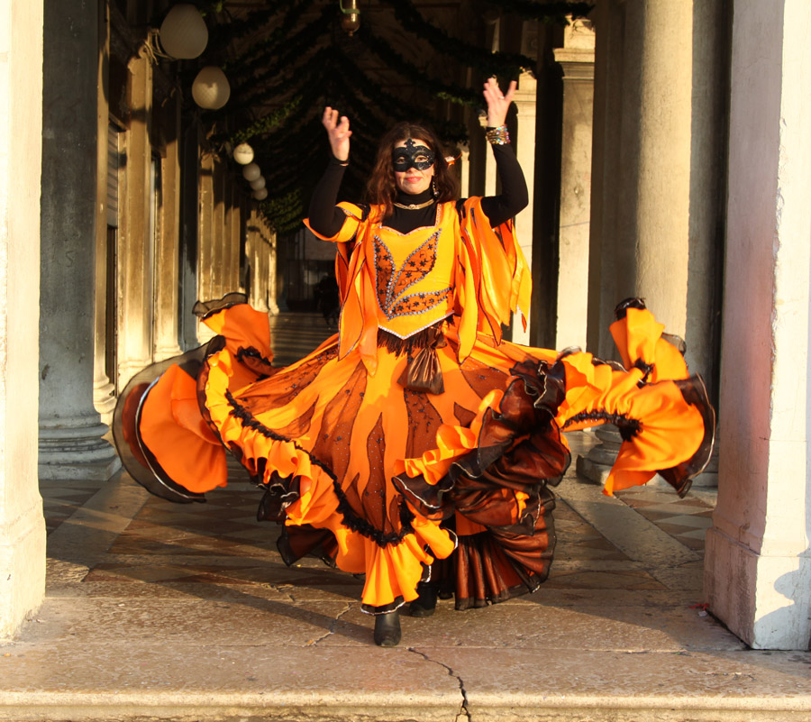 6-Balli-tipici-russi-danze-gipsy-Corso-Russo-Roma-News.jpg
