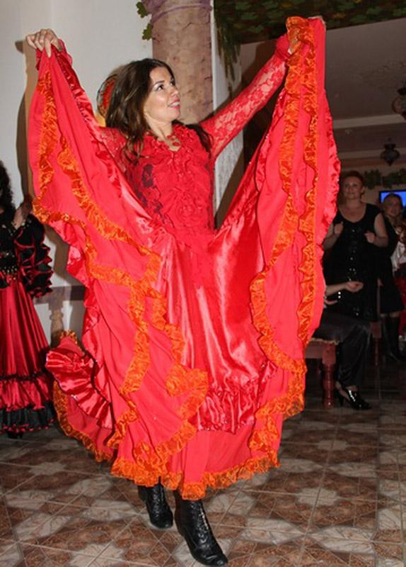 8-Balli-tipici-russi-danze-gipsy-Corso-Russo-Roma-News.jpg