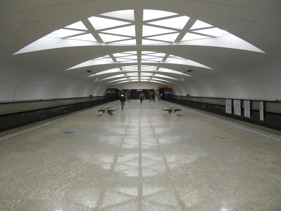6-Strogino-Metropolitana-Mosca-Corso-di-Russo-Roma-News.jpg