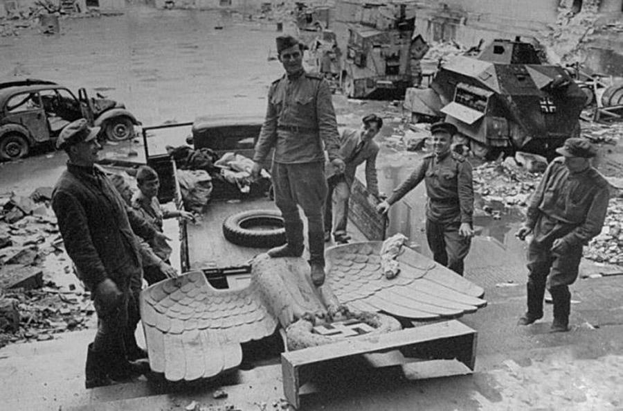 3-Giorno-della-Vittoria-9-maggio-1945-Russia-Corso-di-Russo-Roma-News.jpg