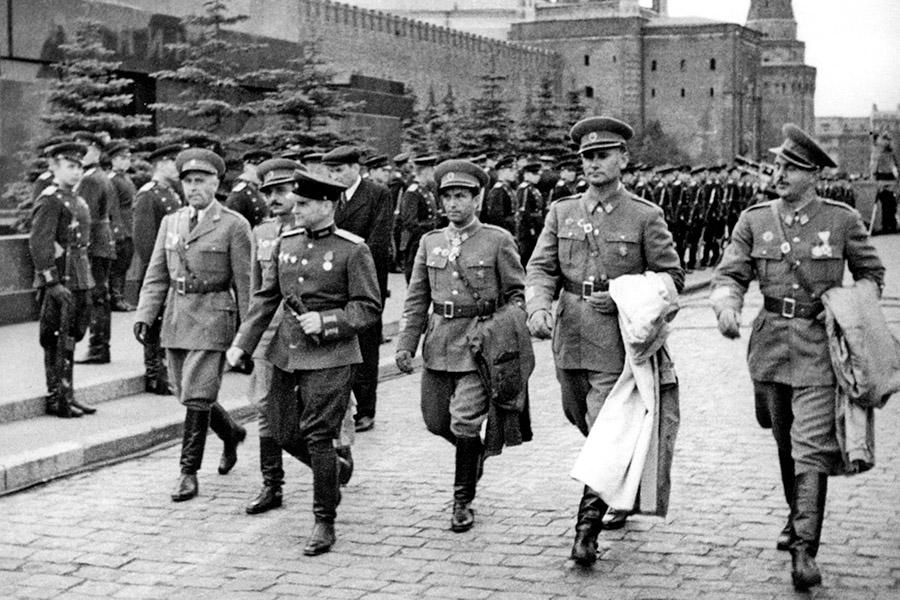5-Giorno-della-Vittoria-9-maggio-1945-Russia-Corso-di-Russo-Roma-News.jpg