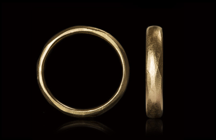 4.4 mm Gold wedding band.jpg