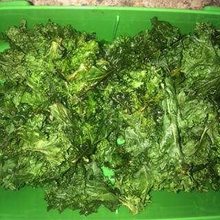Salt and Pepper Kale Crisps with Olive Oil