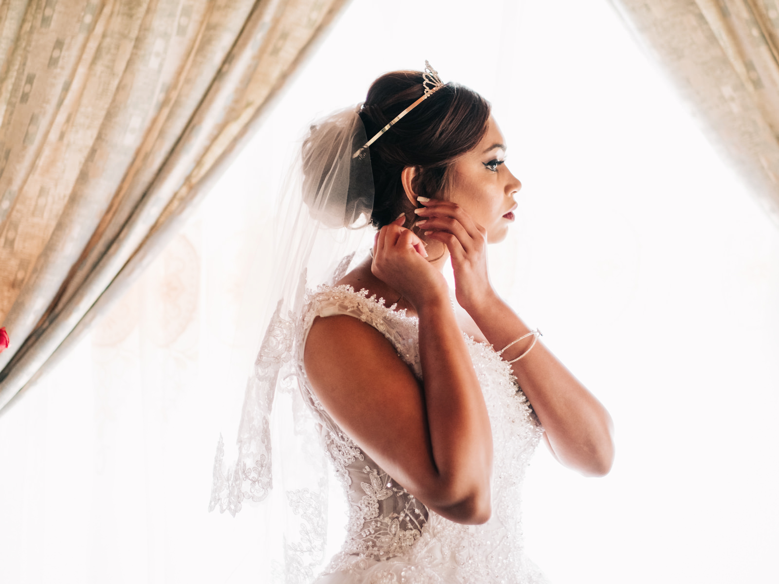 Botanic Gardens Wedding Photography RBadal Bride getting ready