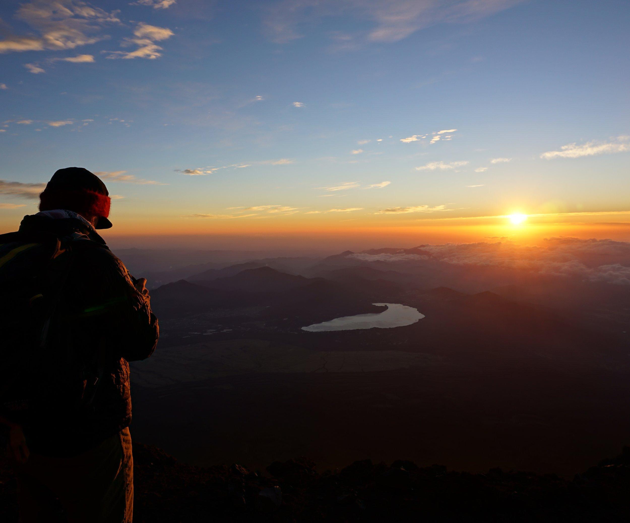 fuji_summit_sunrise