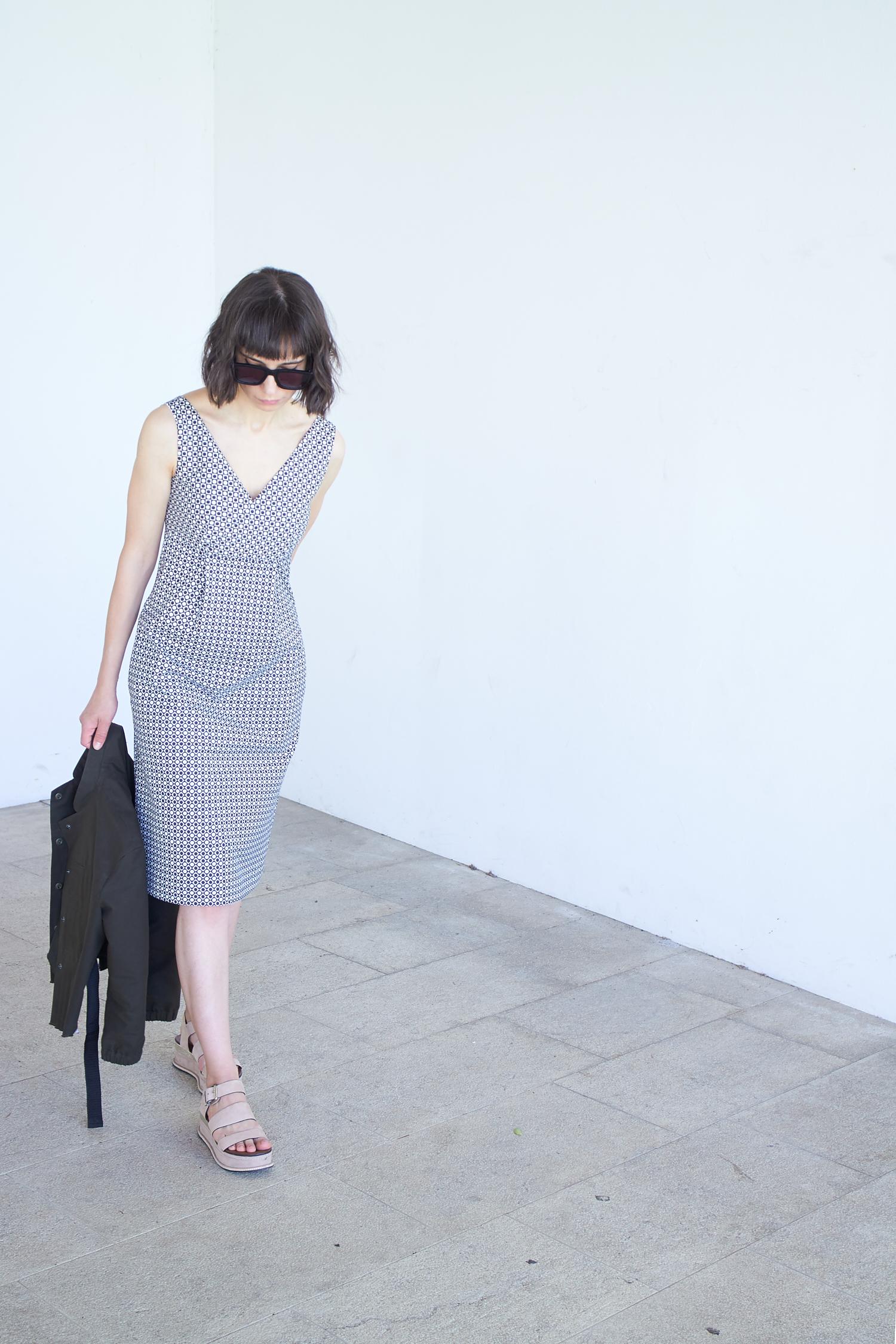 Burda v-neck dress 109A 06/2014