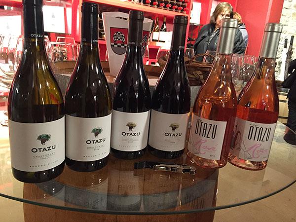 Vinos Chardonnay 2014, Premium Cuvee 2012 y Rosé 2014 elaborados por la Bodega Otazu