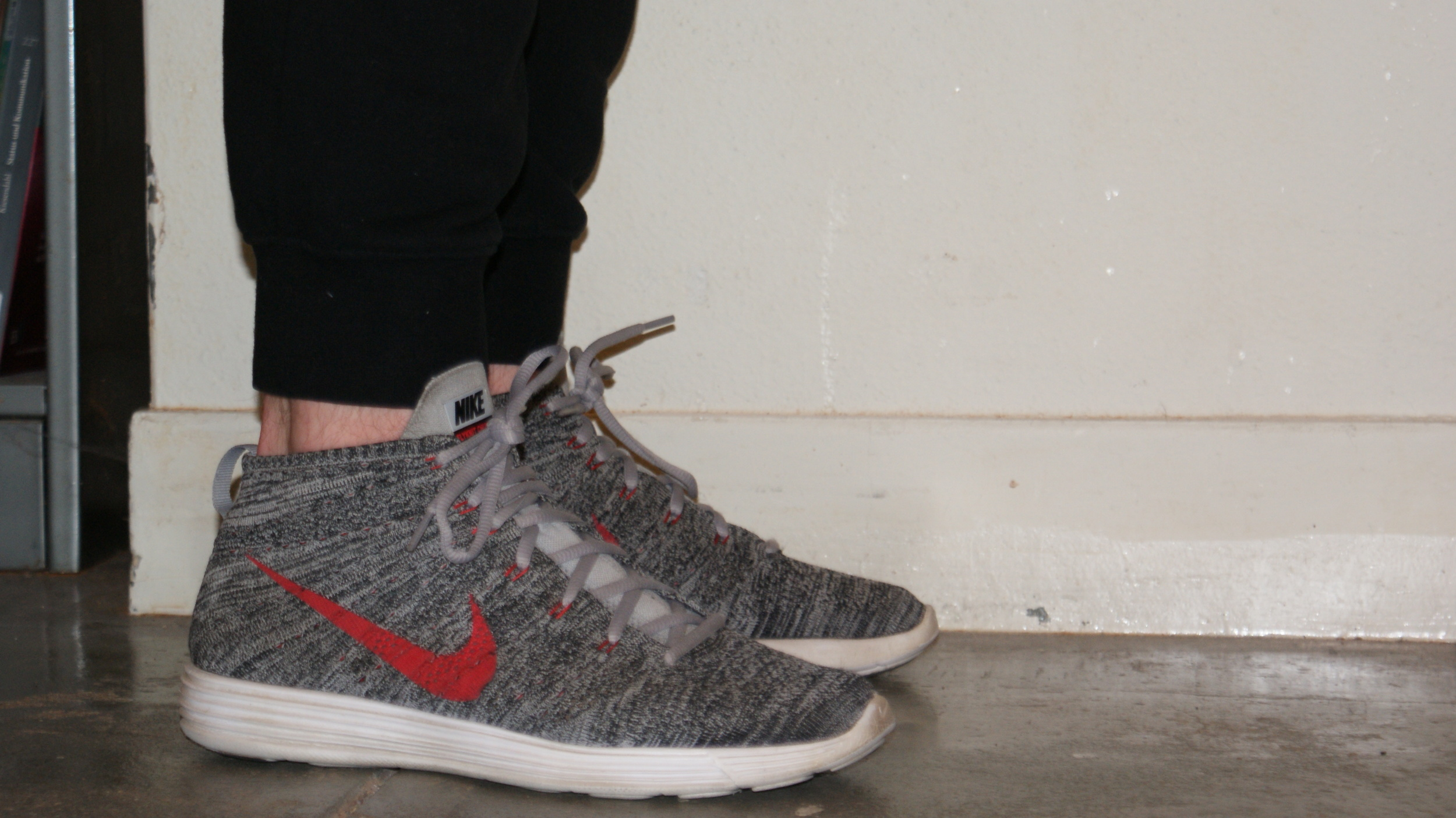 ola Casa de la carretera tortura  Shoe Review: Nike Lunar Flyknit Chukka