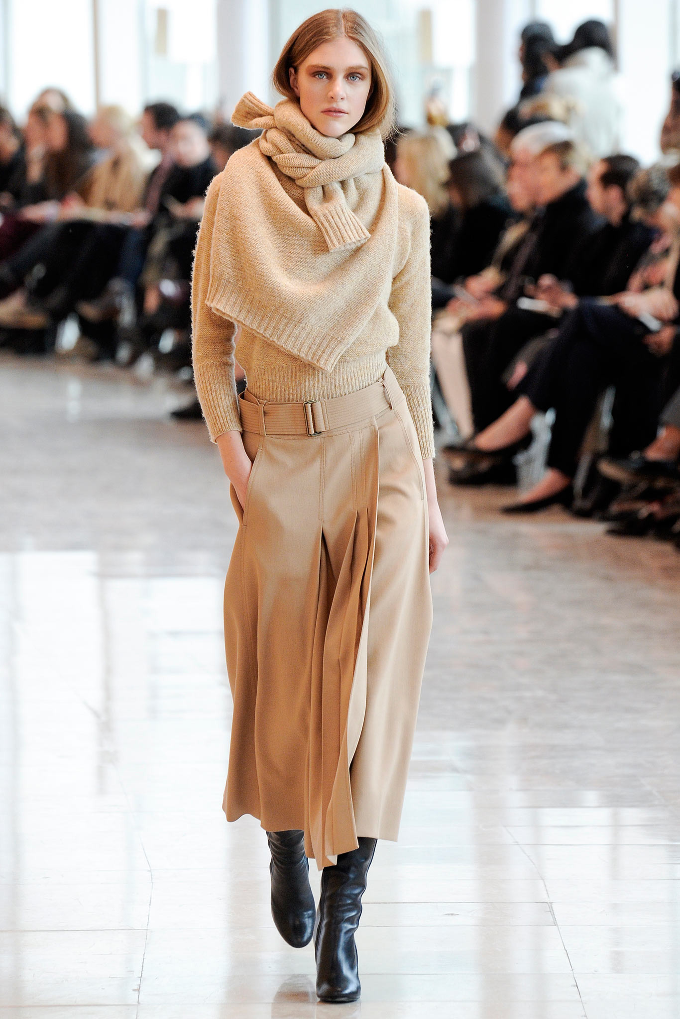 Thicker, textured knits evoke informality (Lemaire FW 2014)