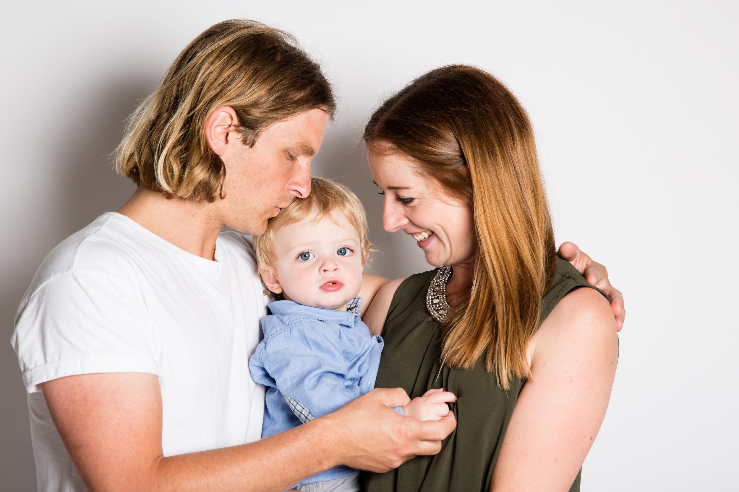 FAMILY-PORTRAIT-BABY-PHOTO-STUDIO-3L4A8142.jpg