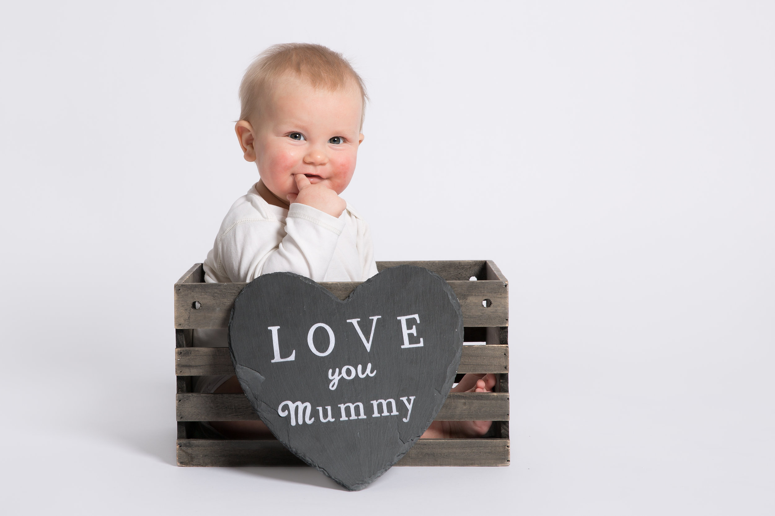 march-mothers-day-themed-baby-photo