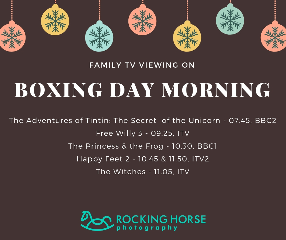 family-tv-viewing-boxing-day-am.jpg