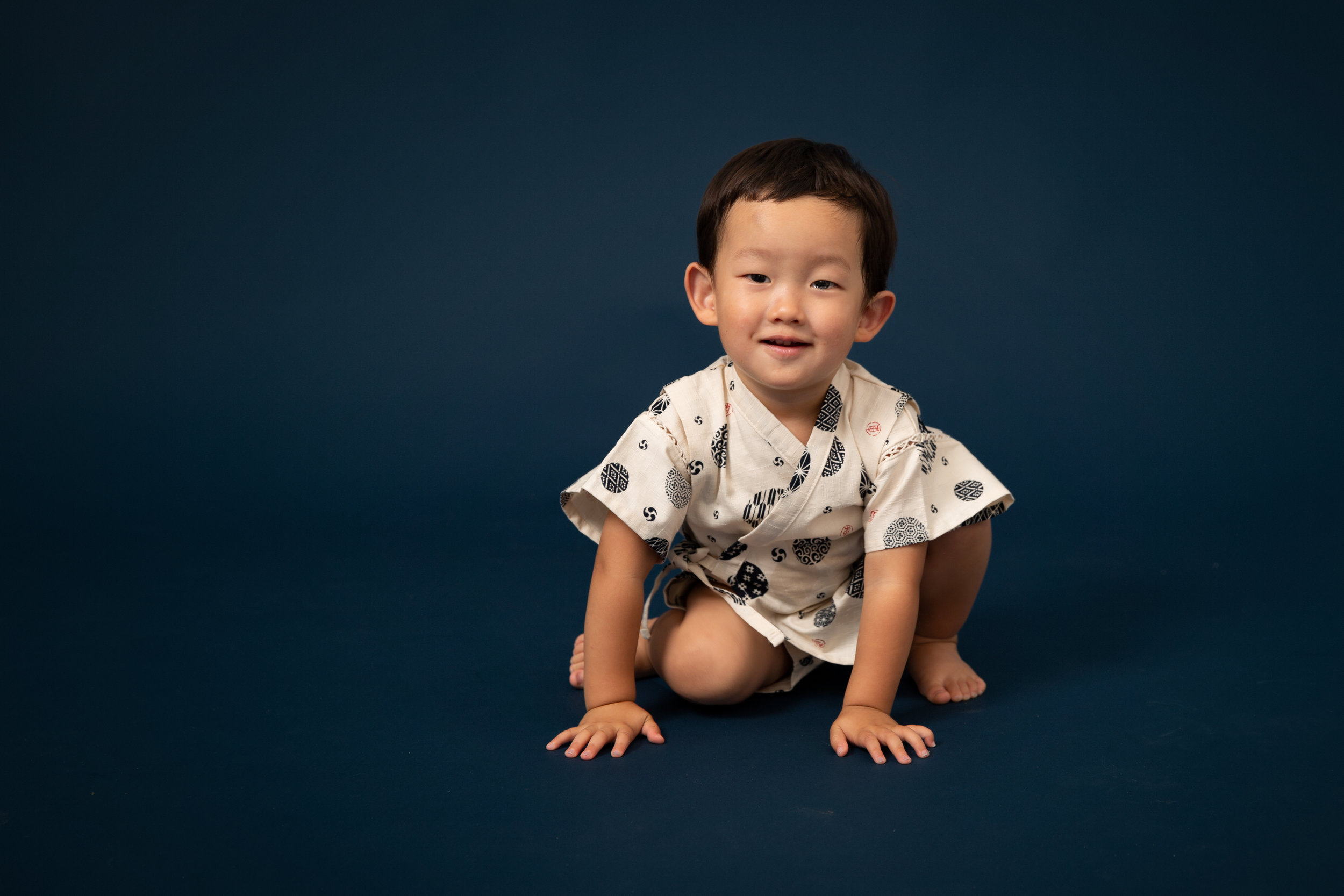 toddler-boy-photo-studio-london.jpg