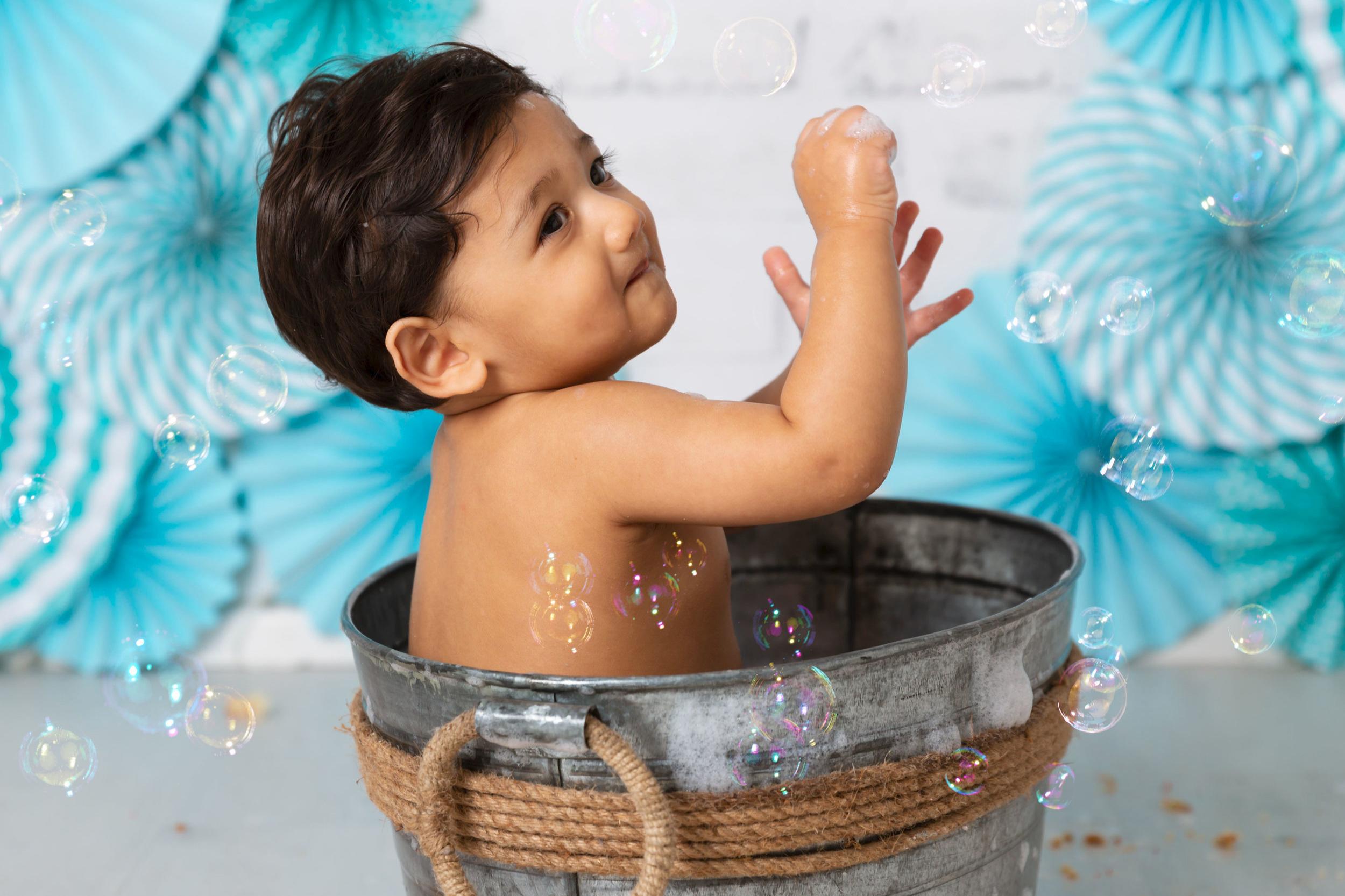 cakesmash-splash-bubbles-baby-boy-london.jpg