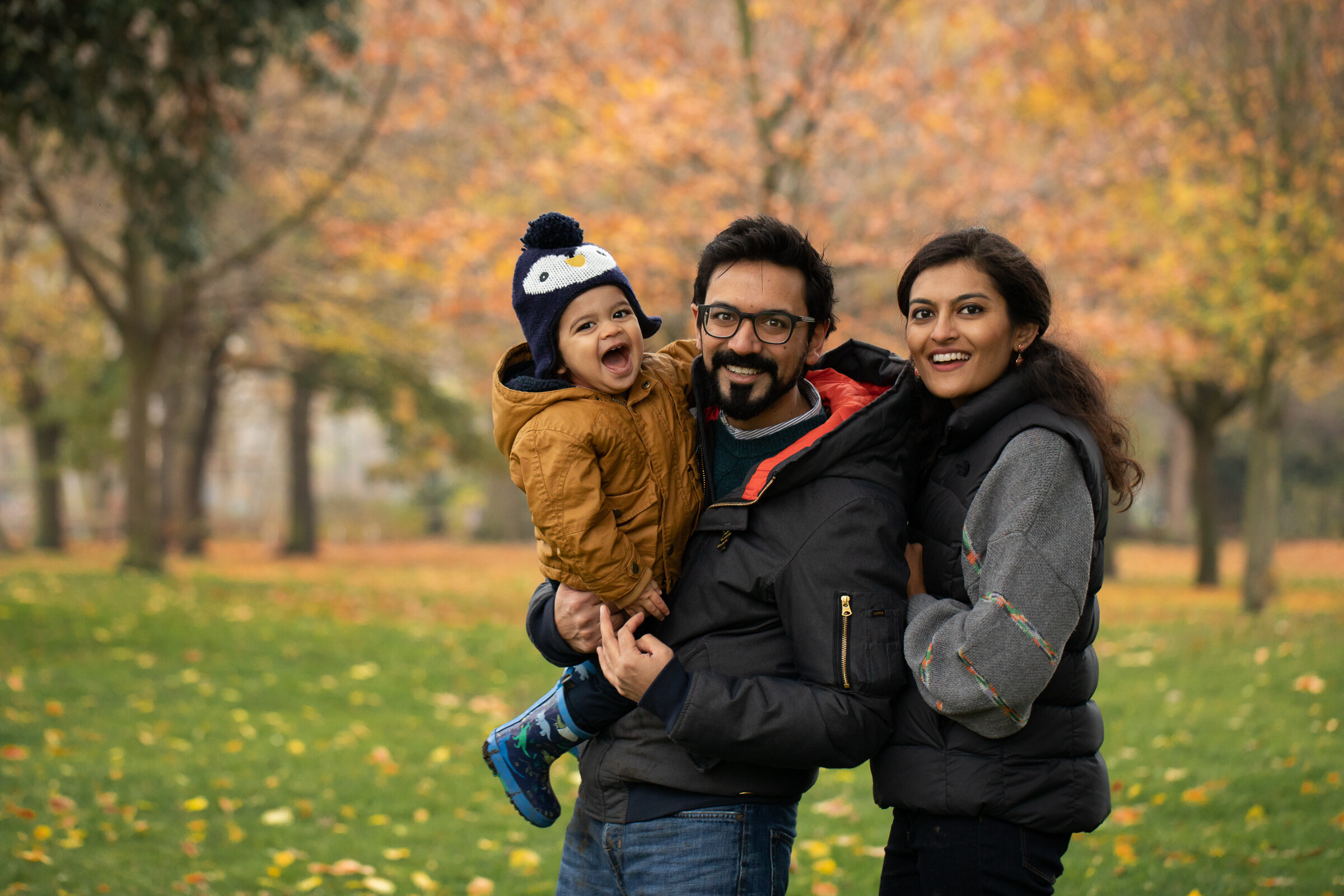 autumn-colours-outdoors-family-photo-london-hackney.jpg