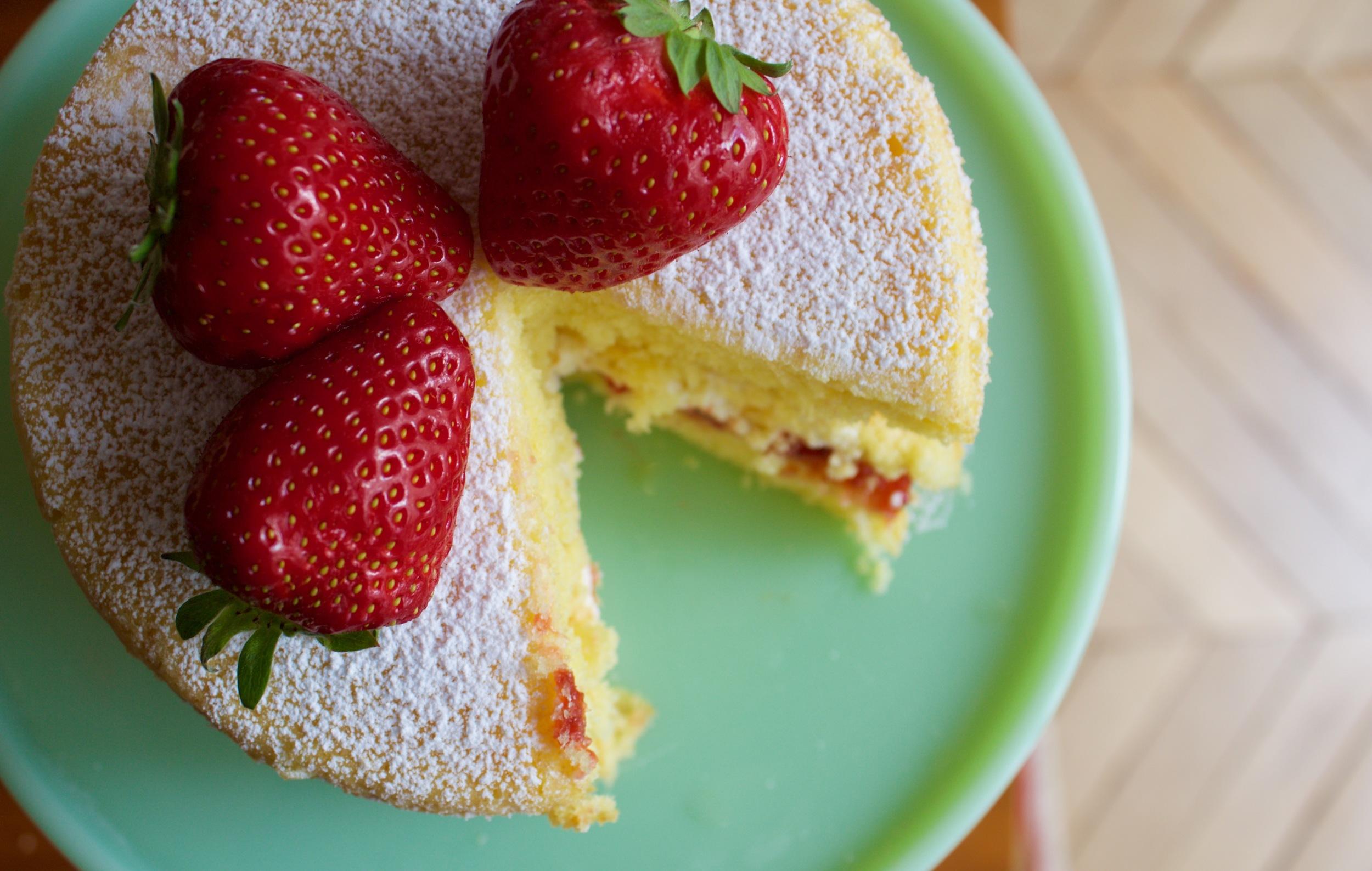 Sponge cake, cream and strawberry jam...