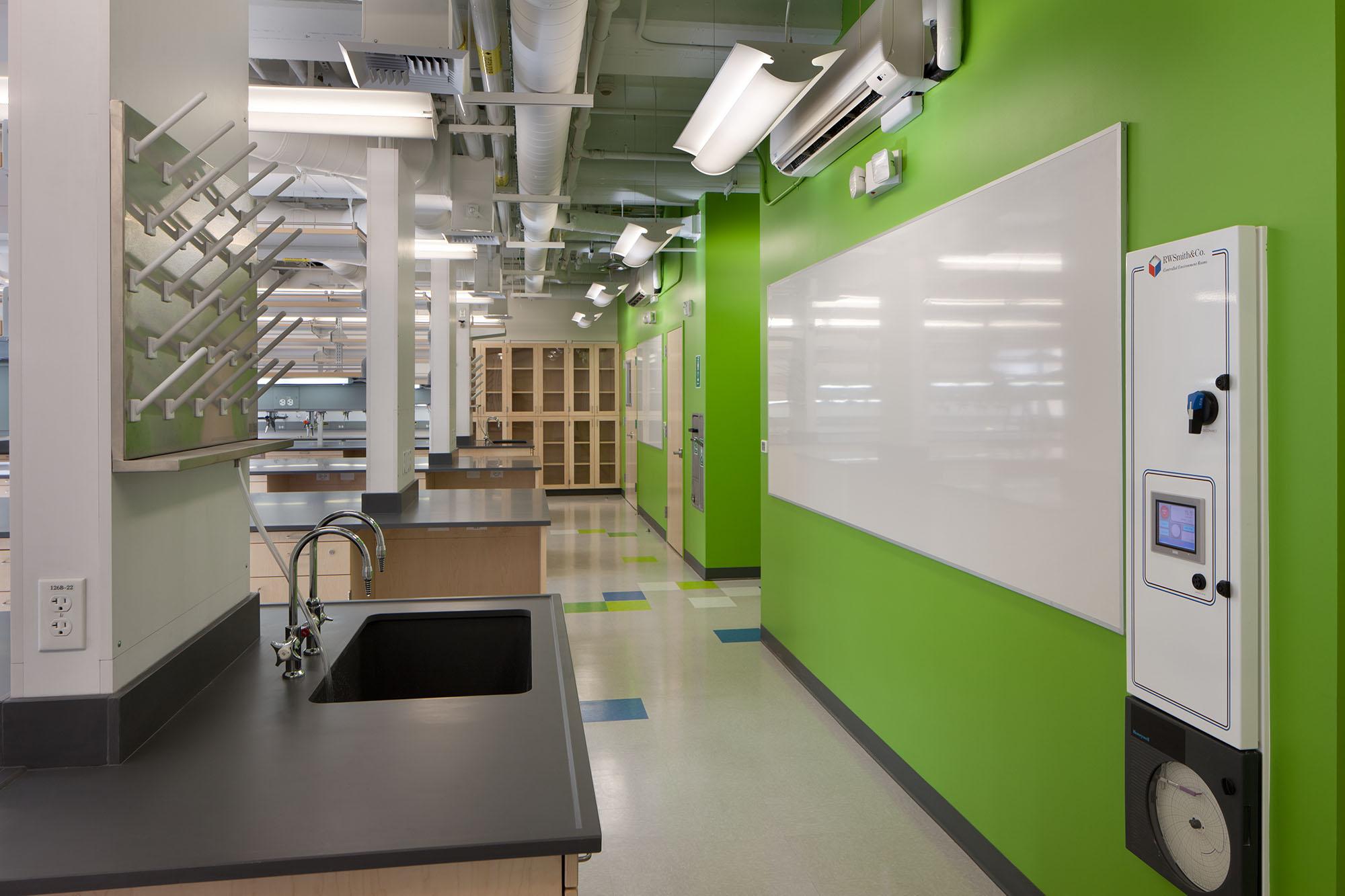 Caltech Professor Shapiro Laboratory