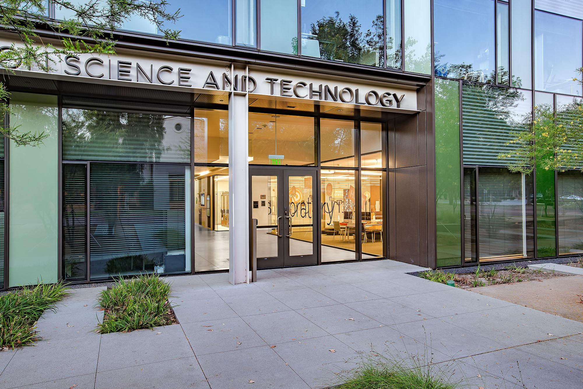 Laboratories_PPC_0005s_0000_IST Annenberg.jpg