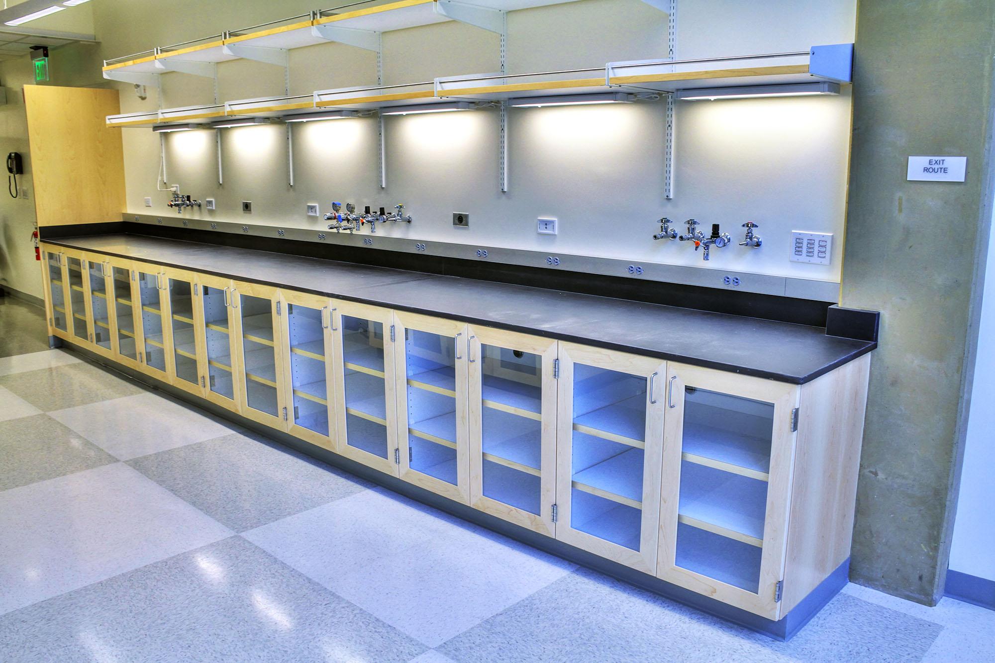 Laboratories_PPC_0004s_0005_Schlinger Lab.jpg