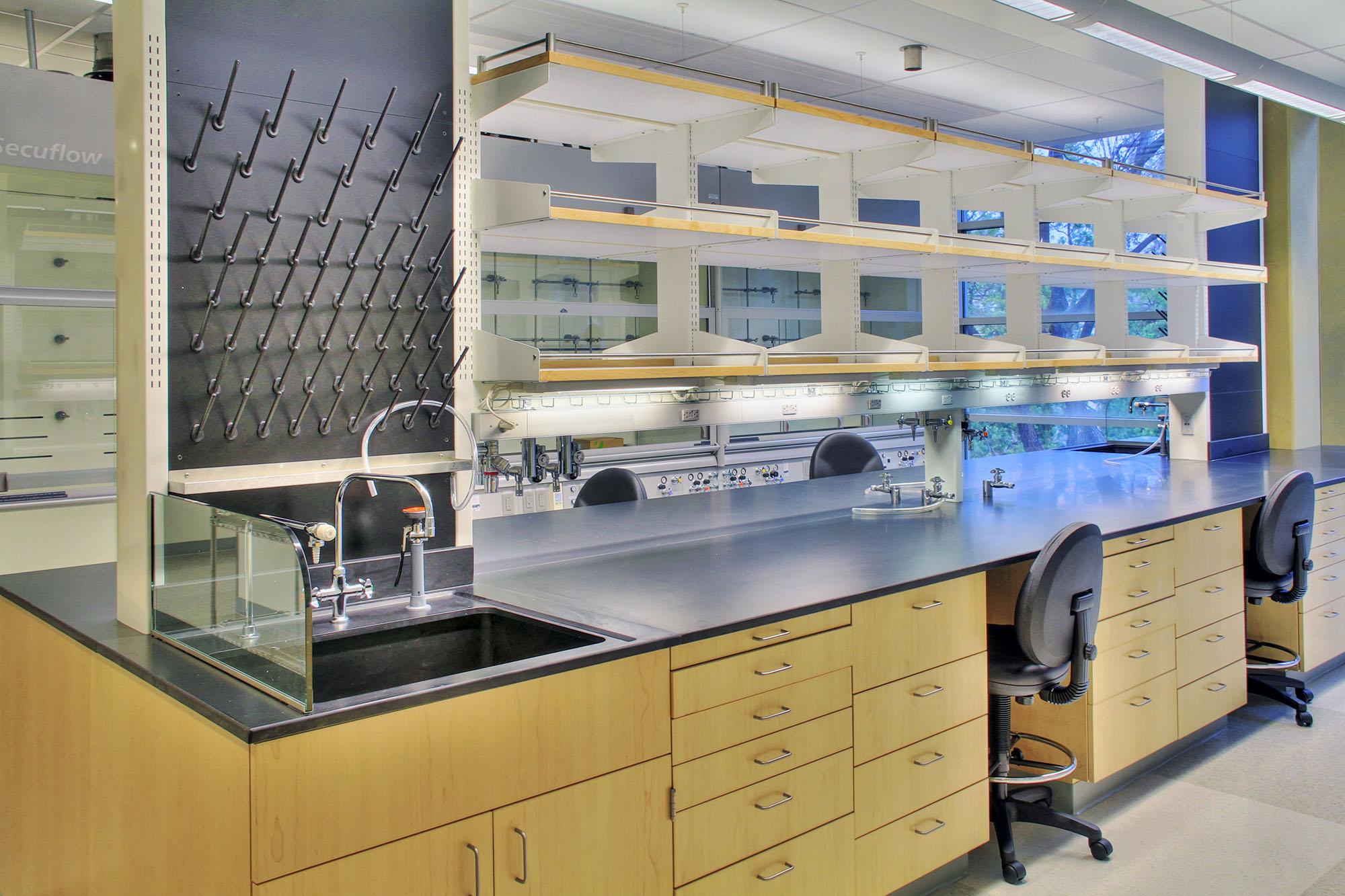 Laboratories_PPC_0004s_0007_Schlinger Lab.jpg