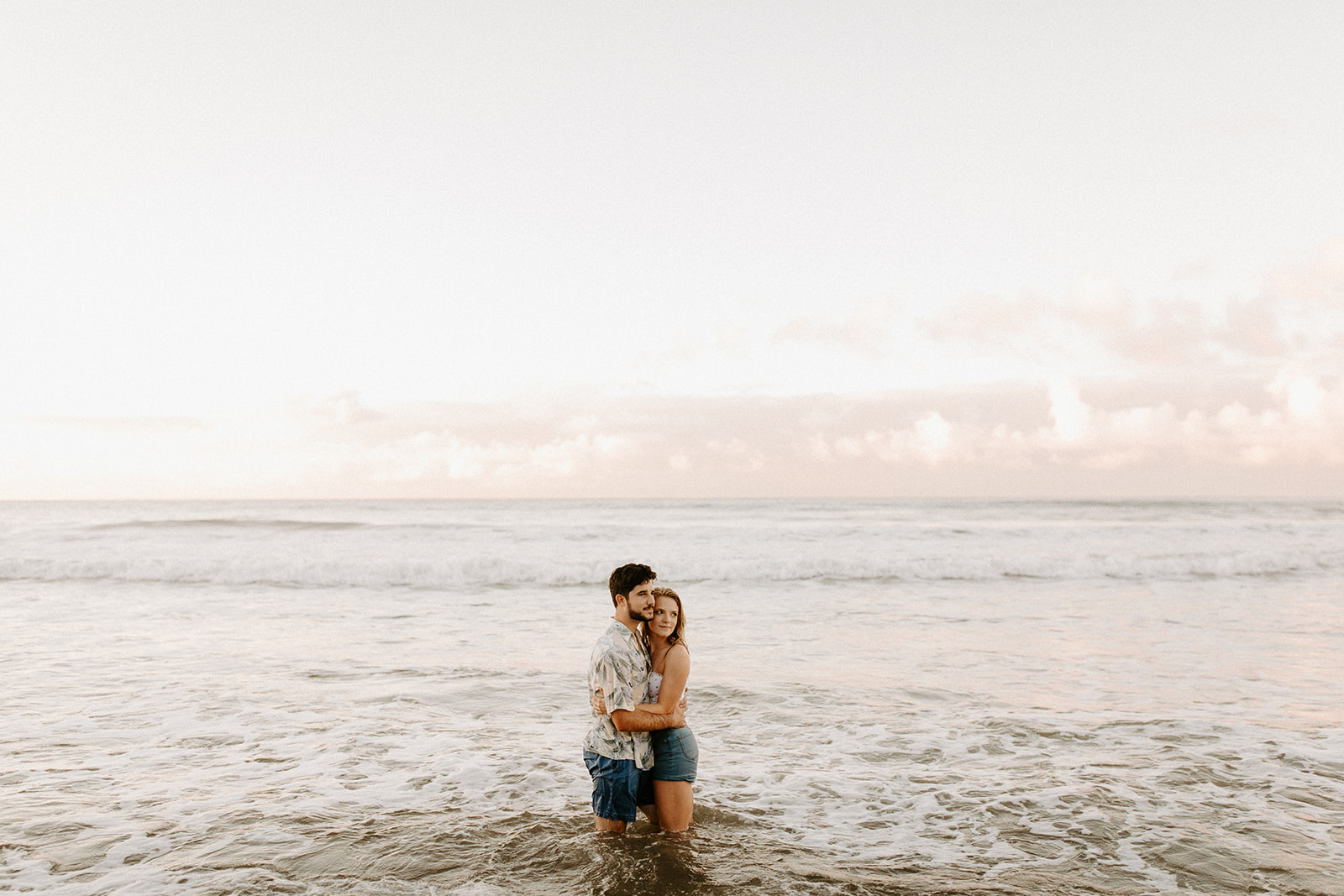 KauaiHanaleiBayCouplesSessionKimandCurtisDawnCharlesPhotographer-172.jpg