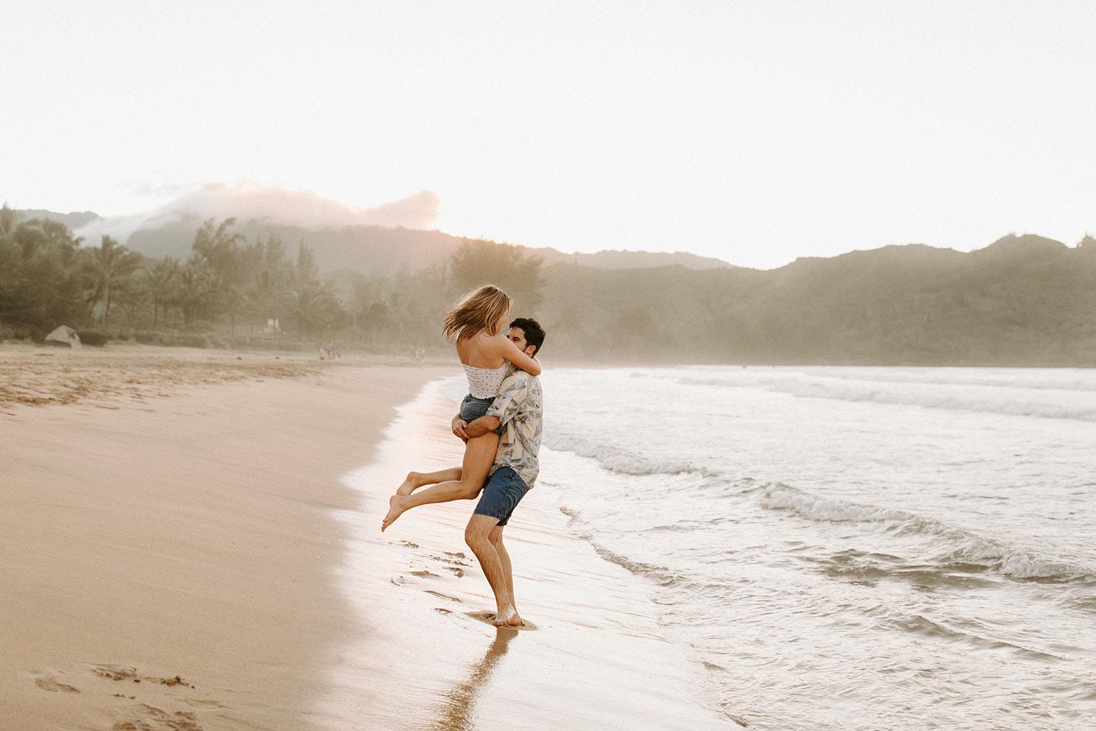 KauaiHanaleiBayCouplesSessionKimandCurtisDawnCharlesPhotographer-231.jpg