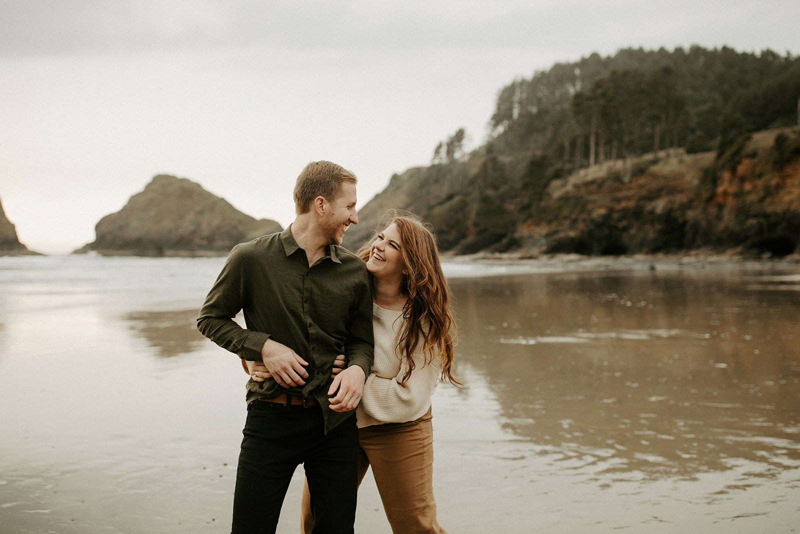 Emily_and_Jeff_Oregon_Coast_Engagement_Dawn_Charles_Photographer-206.jpg