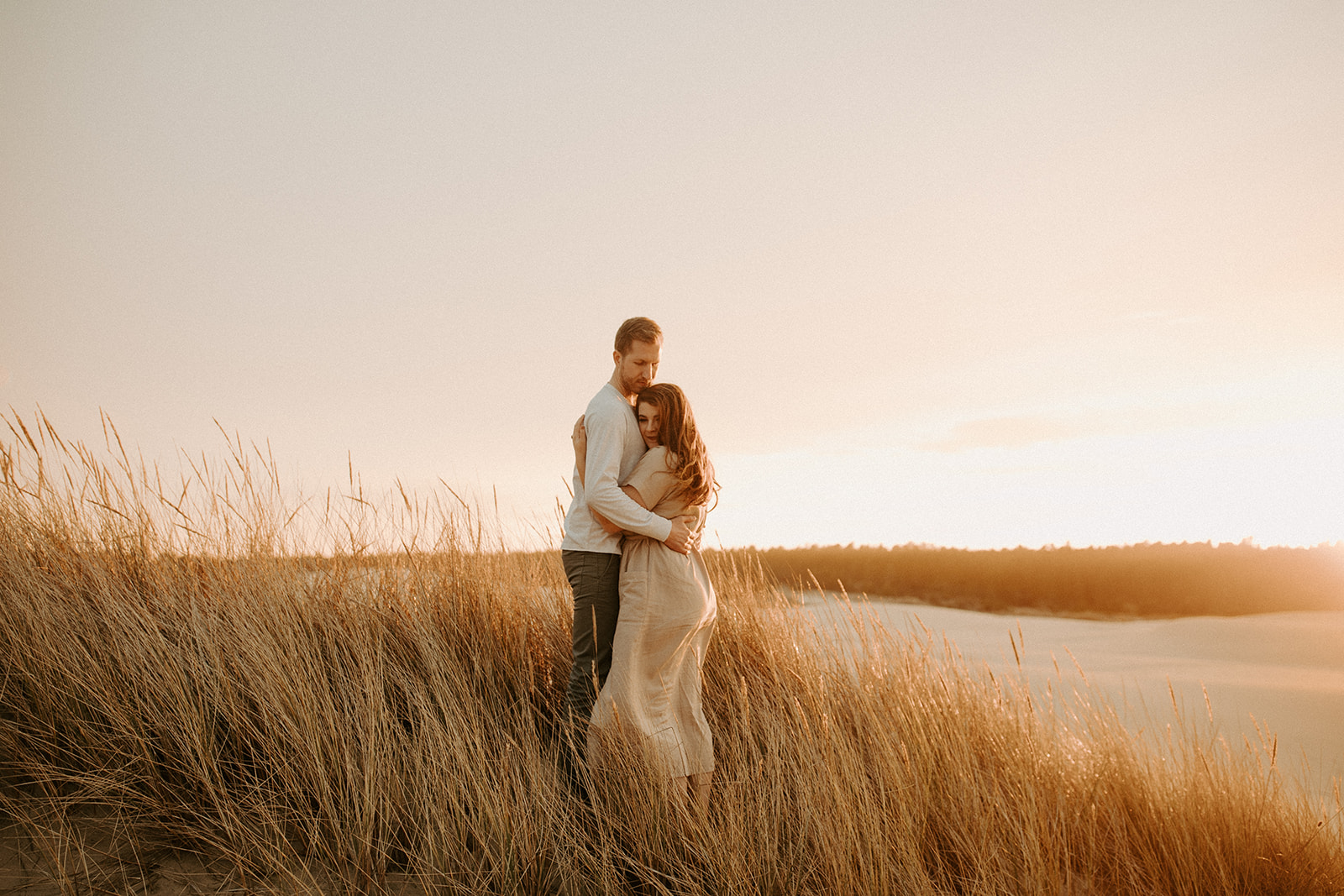 Emily_and_Jeff_Oregon_Coast_Engagement_Dawn_Charles_Photographer-307.jpg