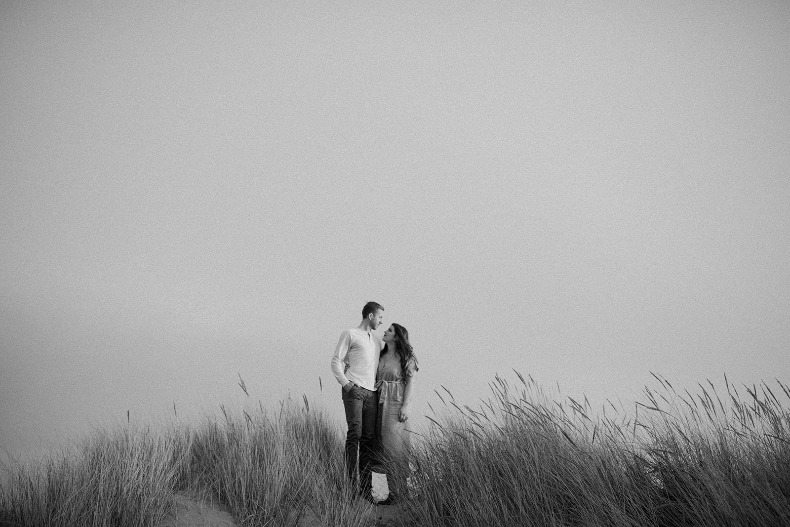 Emily_and_Jeff_Oregon_Coast_Engagement_Dawn_Charles_Photographer-323.jpg