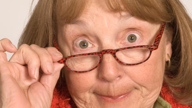 6.5 Nosy Mom – Public domain