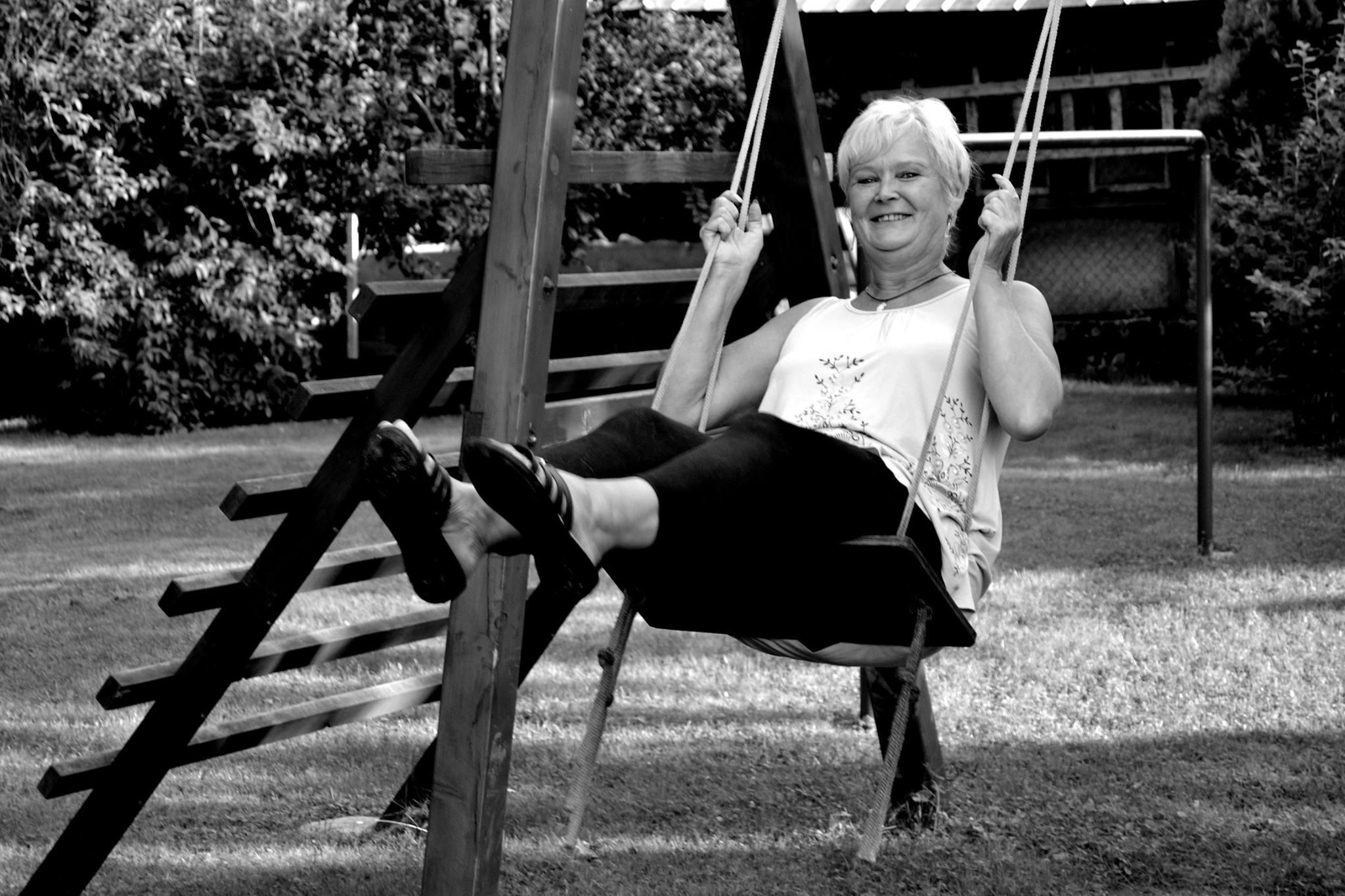 Woman Swinging – Michaela Bozonova, Flickr
