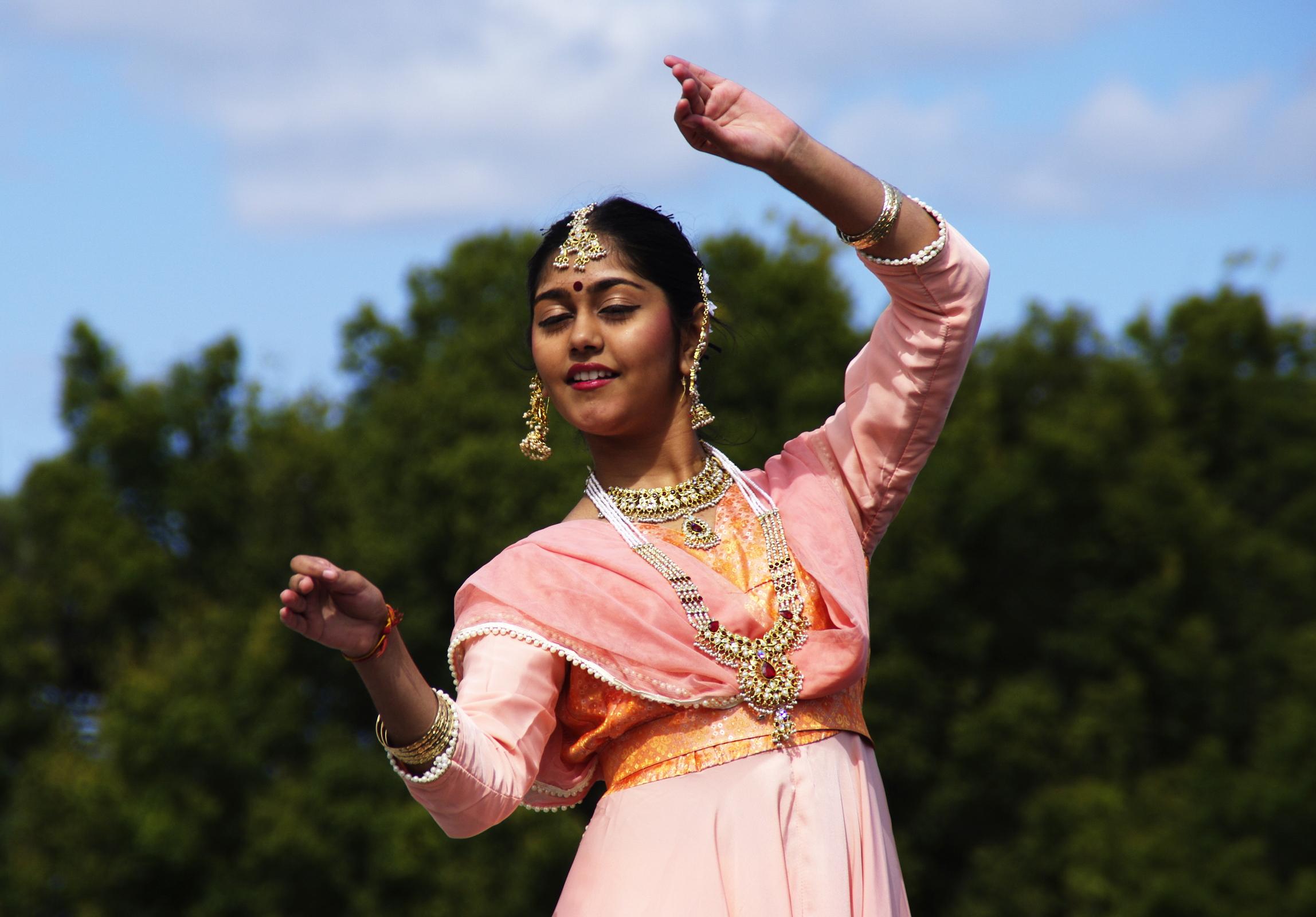 20-3 Indian Dancer flicker cco.jpg