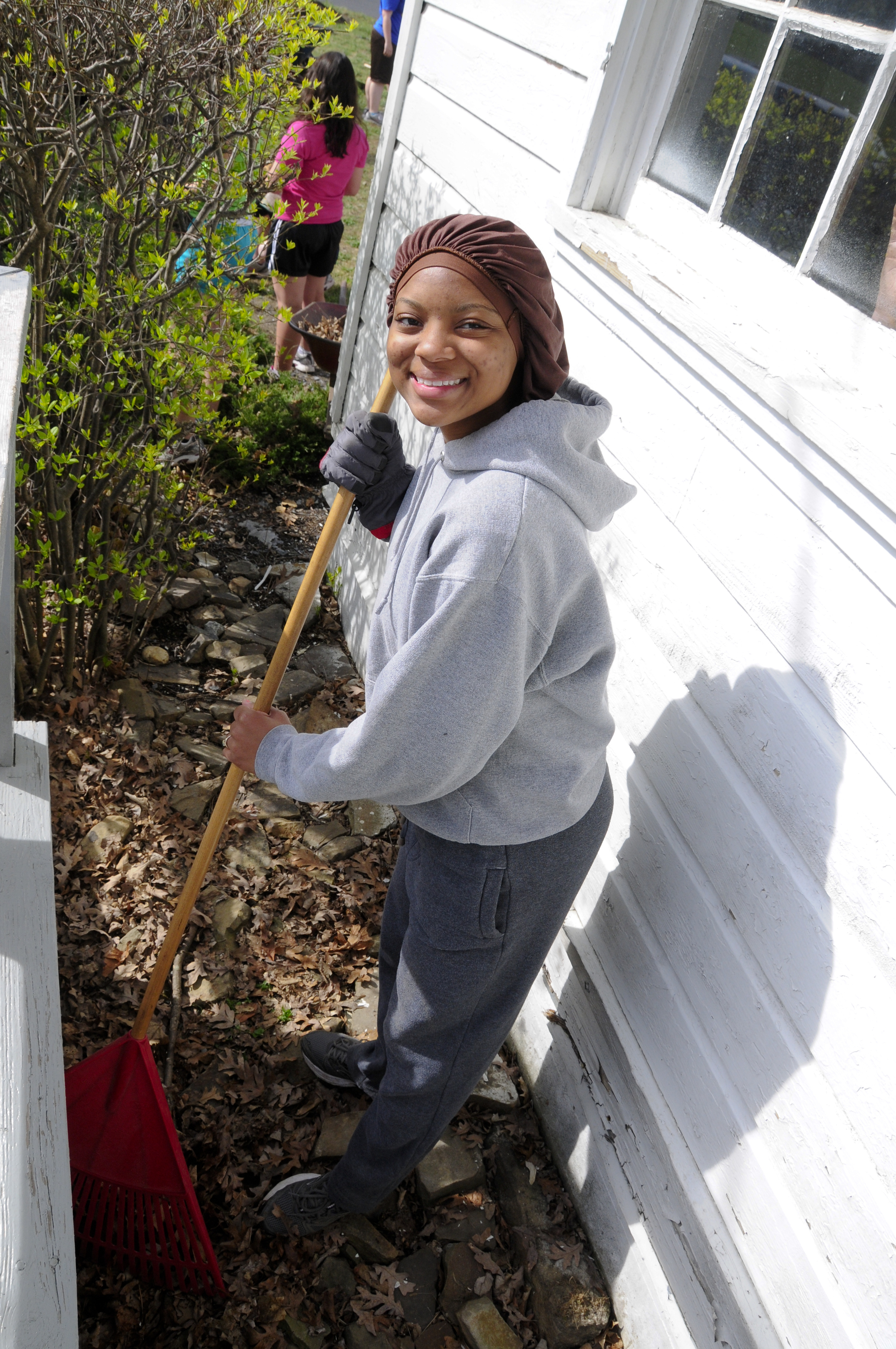 Volunteer at Work – Photo by Tom Cherry, Pennsylvania National Guard,
