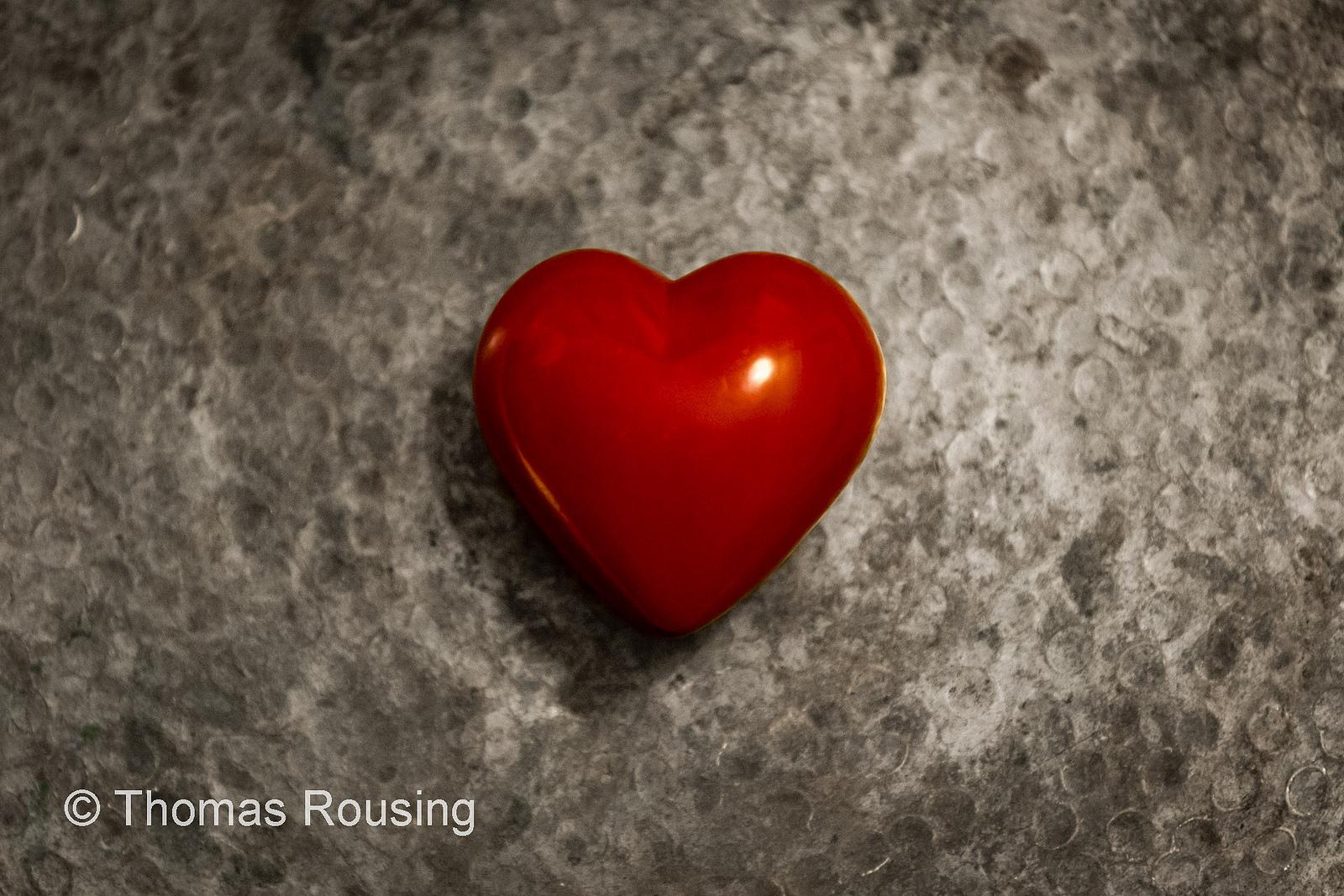 8.1 Heart on silver platter –Thomas Rousing ©, Flickr
