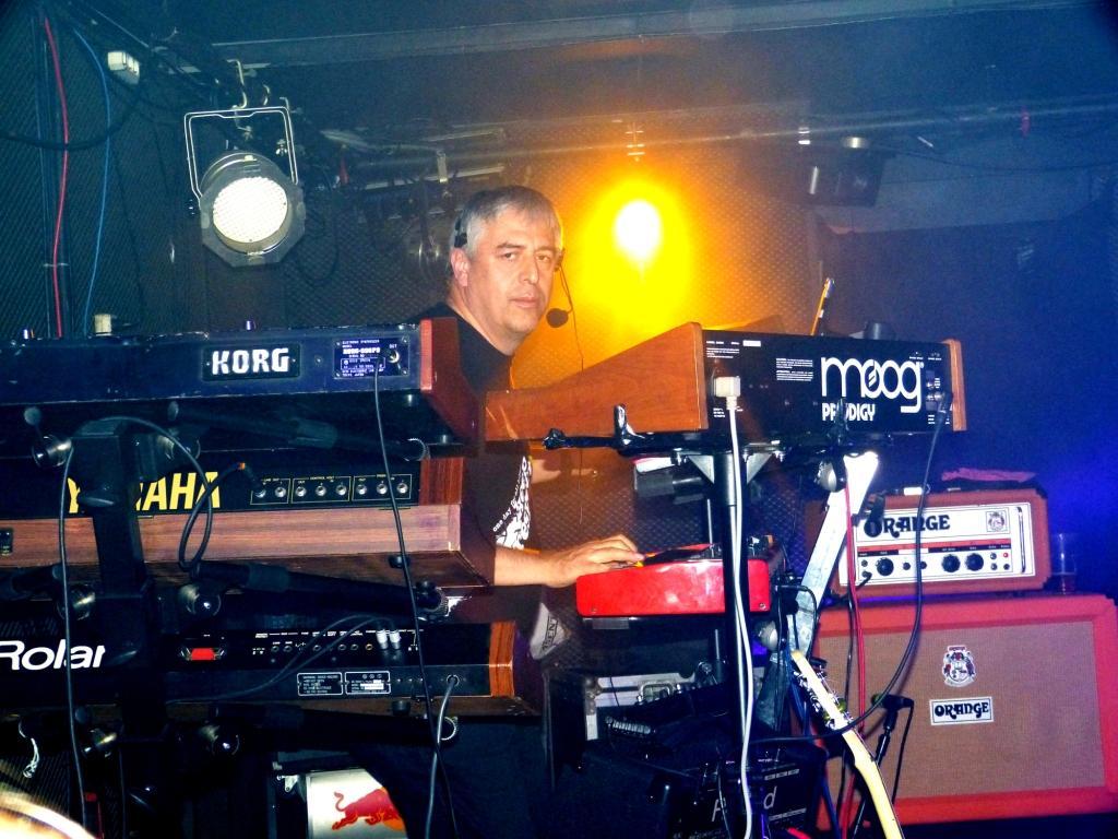 Pavel Jiroušek    - klávesy  - keyboards