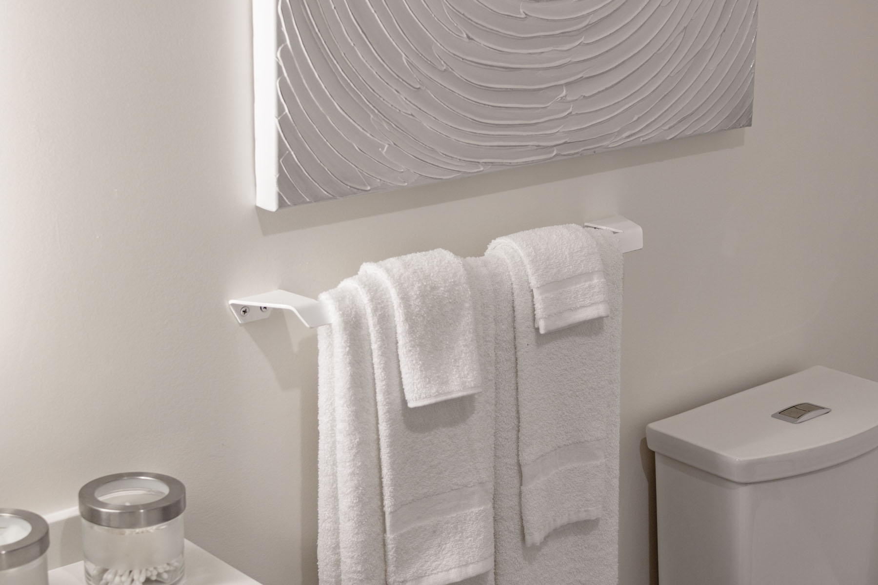 towel bar 1.jpg