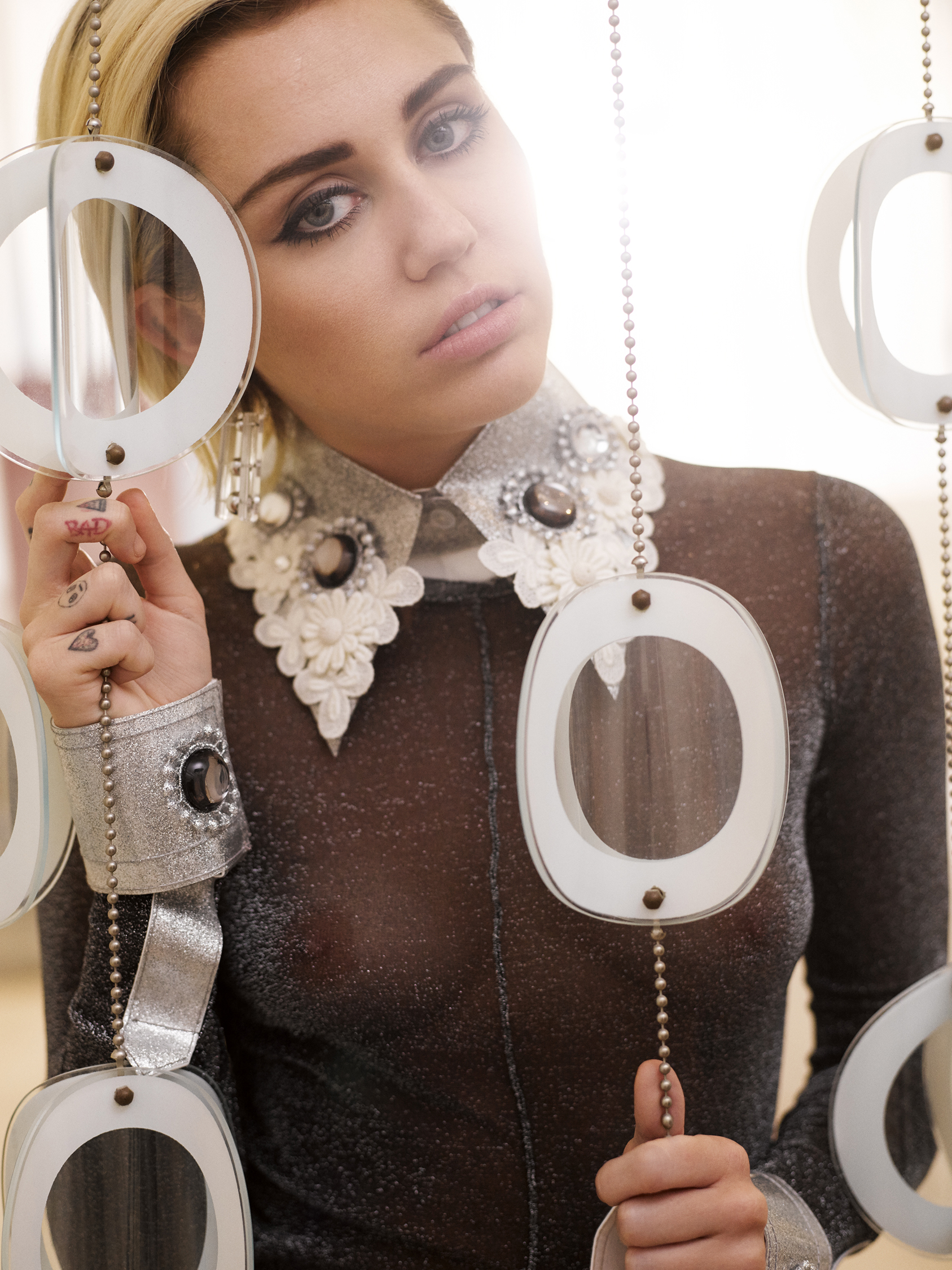 Seliger_Marie_Claire_Miley_Cyrus8.jpg