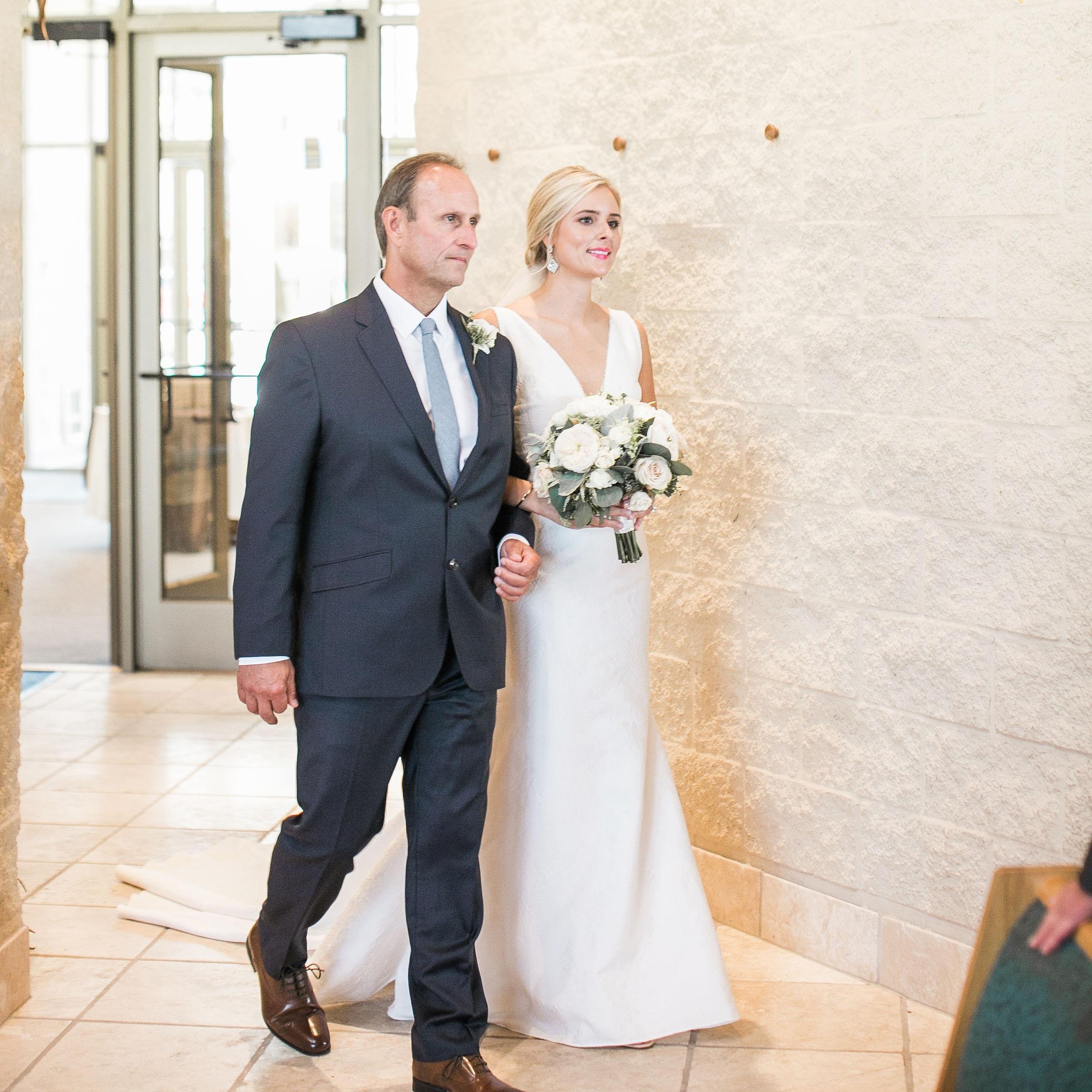 Wedding-Ceremony-Ivory+Bliss-Photography