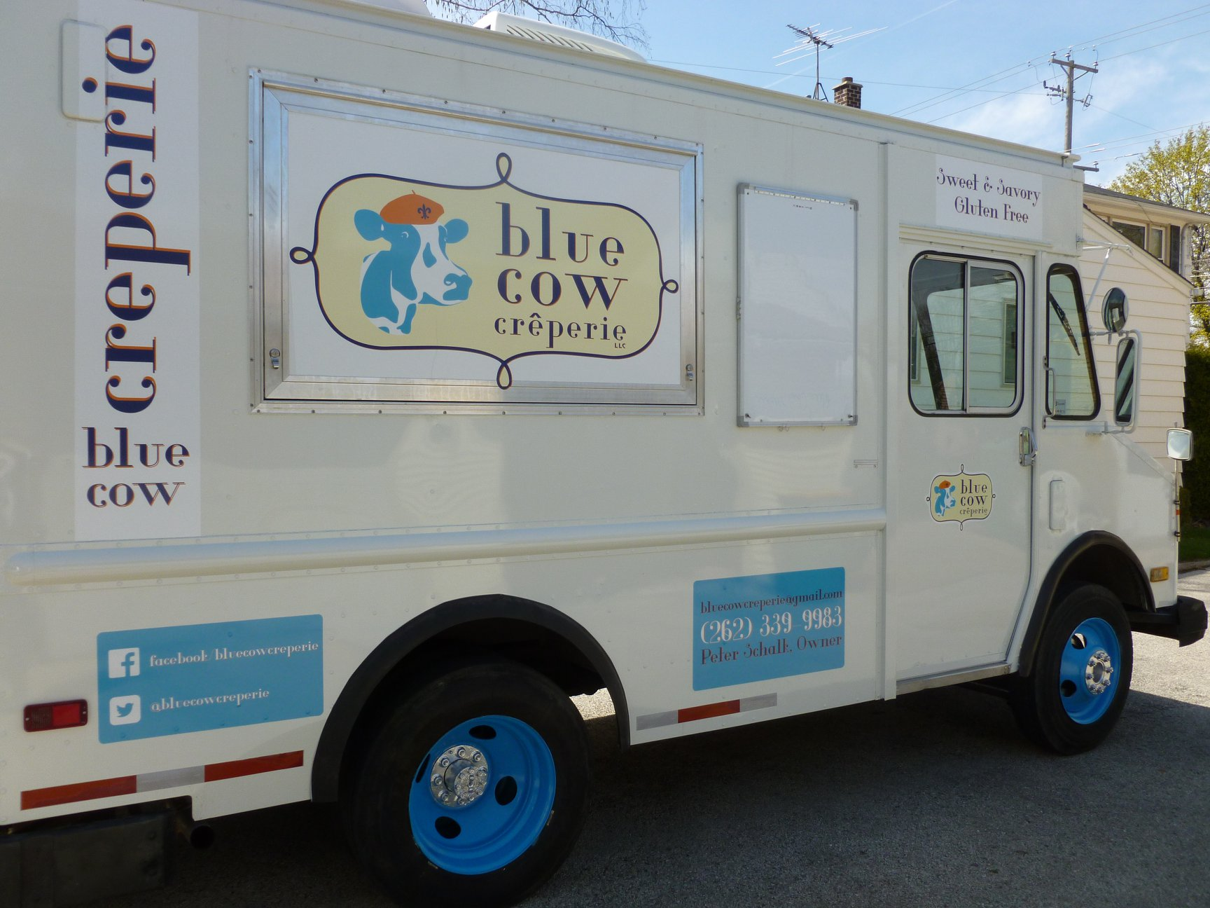 Blue Cow Creperie Food Truck Milwaukee.jpg