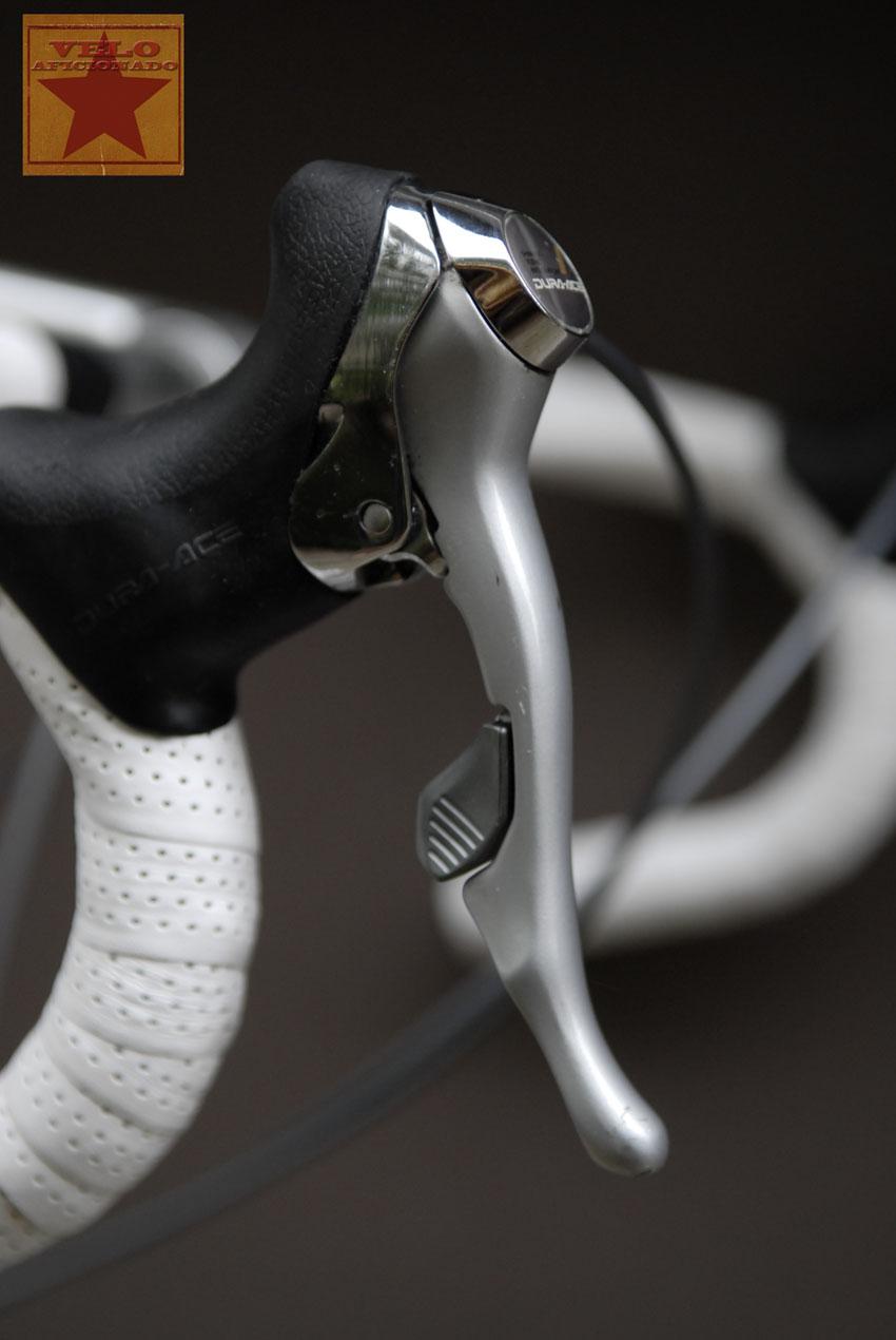dura-ace-7403-brake-lever.jpg