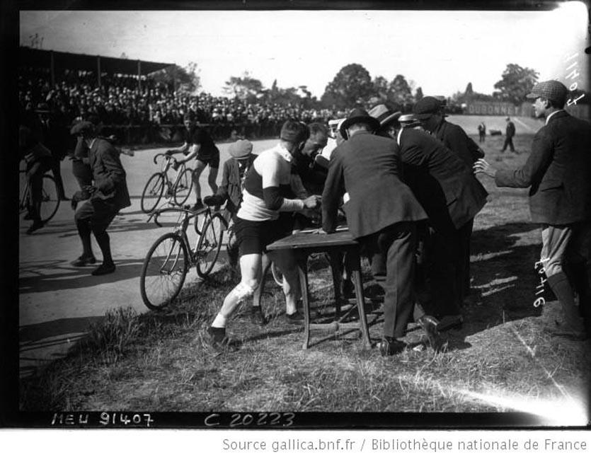 Barthelemy et Tiberghien signent 1921