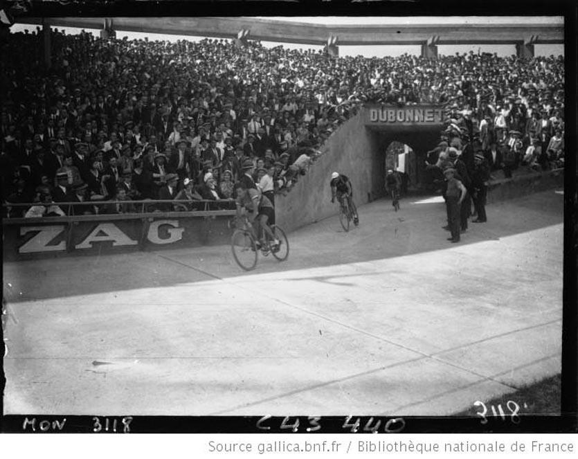 L'arrivée du Tour au Parc des Princes 1932