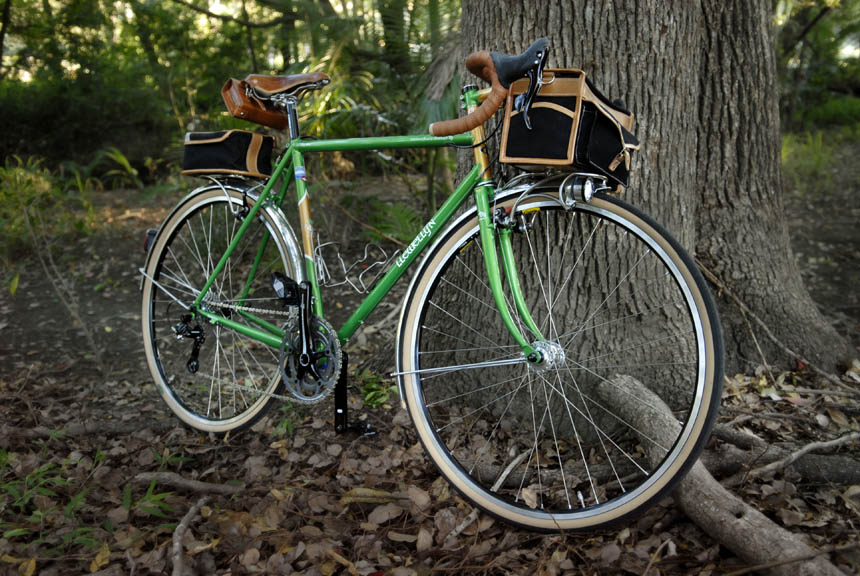 green-voyageur-llewellyun-bicycle.jpg