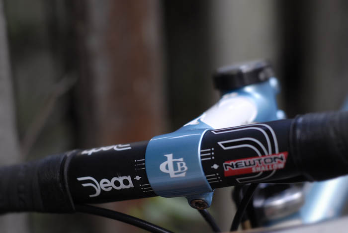 Llewellyn custom bike lugged head stem and Deda Newton Shallow handlebars