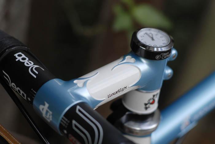 Llewellyn custom bikes 2013-2014 cockpit, Stem Captain time piece, llewellyn lugged stem, Deda Newton Shallow bars.