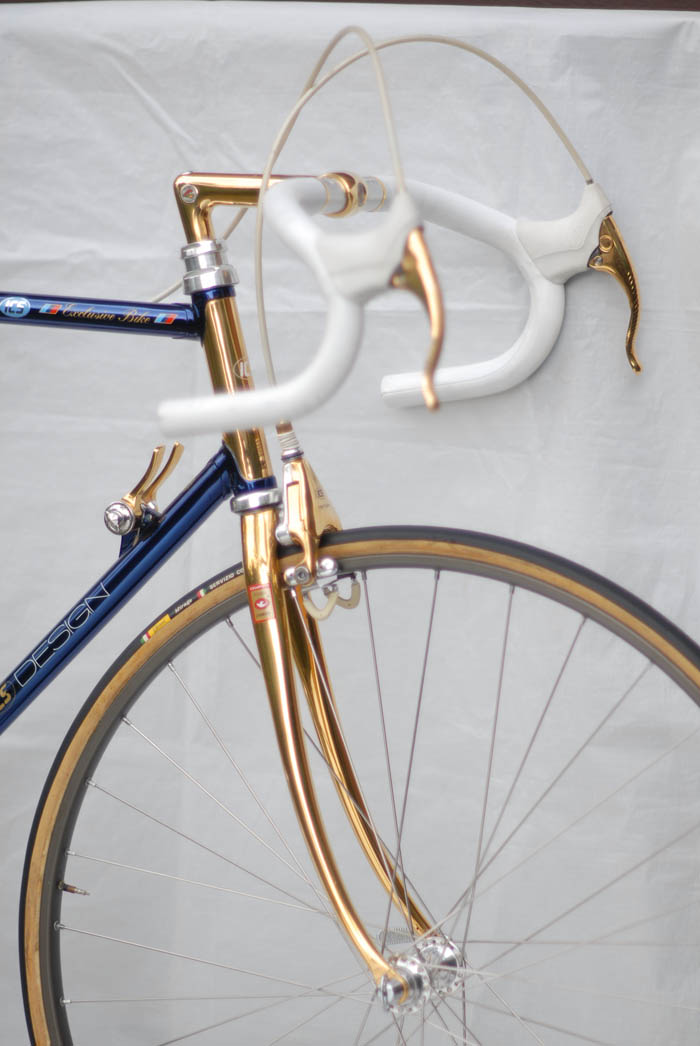 Gold plated ICS bike frame with cromovelato dark blue paint by Ital Cicli Systems Zurich.