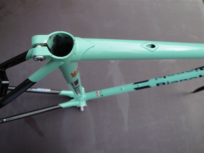 Bianchi X4's from 1988 to the final year of production in 1991 had an internally routed rear brake cable. An easy to spot an X4 and get rough idea of it's production year, 1986 and 1987 Bianchi X4's had the old school top tube eyelets.